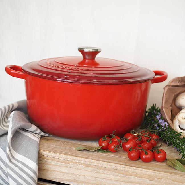 http://kitchentotable.com.au/wp-content/uploads/2016/07/Le-Creuset-Casserole-Cerise.jpg