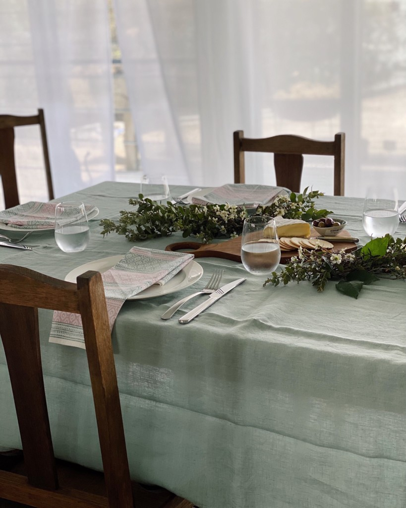 sage-green-pink-table-setting