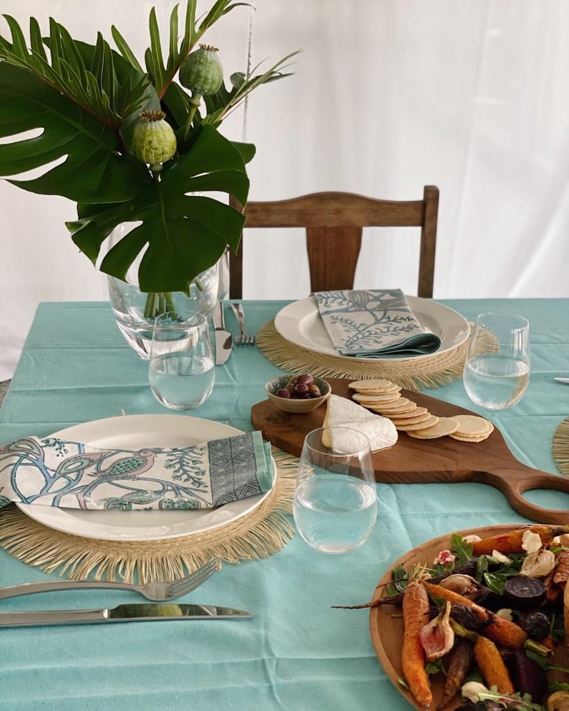 aqua-pink-table-setting
